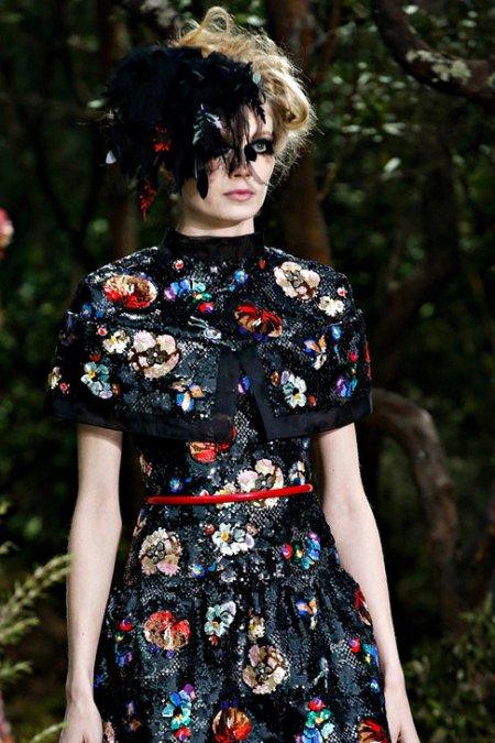 Паетки Haute Couture.  Паетки, бисер, стразы и стеклярус в коллекциях Высокой моды.