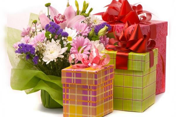 Цветы подарки, мужские букеты из пива и рыбы фото